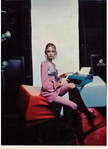 Twiggy~Olivetti Typewriter Ad 1969
