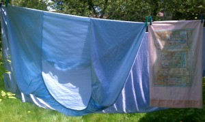Finnfemme's sheets on clothesline